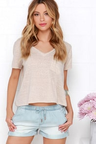 Dittos Sienna Light Wash Chambray Shorts at Lulus.com!