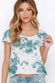 Fit to Fly Green and Ivory Tie-Dye Crop Top at Lulus.com!