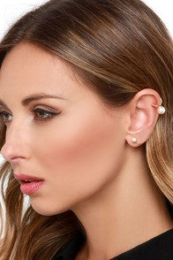 Pair O' Pearls Gold and Pearl Ear Cuff at Lulus.com!