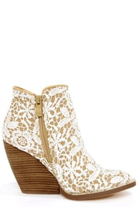 Very Volatile Tallulah White Multi Lace Ankle Boots at Lulus.com!