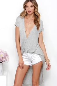 Swoop In Heather Grey High-Low Top at Lulus.com!