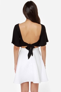 Confidential Cutie Backless Black Crop Top at Lulus.com!