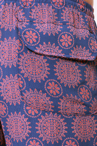 Lucy Love Fluid Red and Blue Print Pants at Lulus.com!
