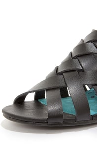 Blowfish Colette Black Peep Toe Sandals at Lulus.com!