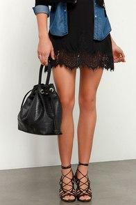 Kind and Cunning Black Handbag at Lulus.com!
