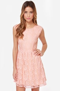 Southern Bellini Peach Lace Dress at Lulus.com!