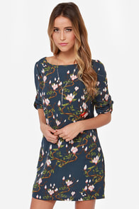 Darling Tia Navy Floral Print Shift Dress at Lulus.com!