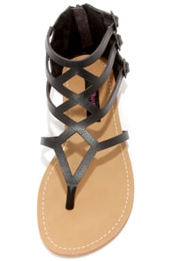 Dollhouse Athens Black Gladiator Sandals at Lulus.com!