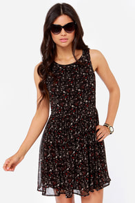 Others Follow Donna Black Floral Print Dress at Lulus.com!
