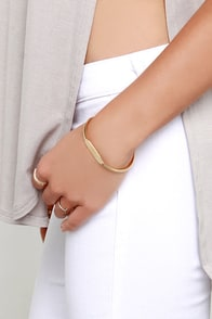 Maiden Name Gold ID Bracelet at Lulus.com!