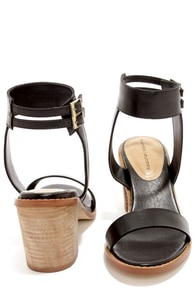 Chinese Laundry Cosmo Black Ankle Strap Sandals at Lulus.com!