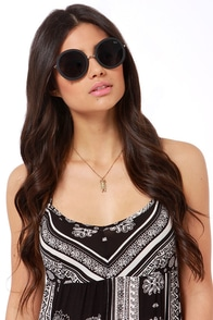 Quay Bonny Black Sunglasses at Lulus.com!