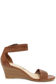 Chinese Laundry Tiffanie Rich Brown Cutout Wedge Sandals at Lulus.com!