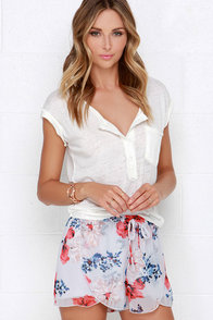 Jack by BB Dakota Ives Light Grey Floral Print Shorts at Lulus.com!