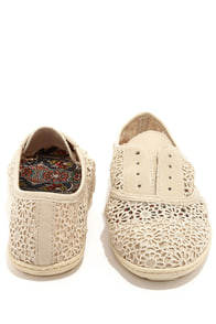 Rocket Dog Georgette Natural Sunny Crochet Sneakers at Lulus.com!