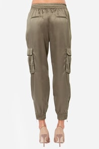 Dex Freight Date Khaki Green Harem Pants at Lulus.com!