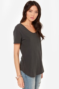 RVCA Label Pippi Washed Black Tee at Lulus.com!