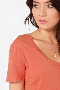 RVCA Label Pippi Washed Coral Tee at Lulus.com!