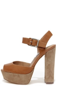 Steve Madden Jillyy Cognac Leather Platform Heels at Lulus.com!