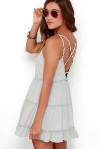 Billabong Day Wanderer Blue Chambray Dress at Lulus.com!