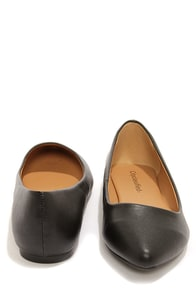 City Classified Sadler Black Matte Vegan Leather Pointed Flats at Lulus.com!