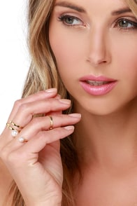 Five Spot Gold and Pearl Ring Set at Lulus.com!