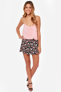 Queen of the Cropped Blush Pink Crop Top at Lulus.com!