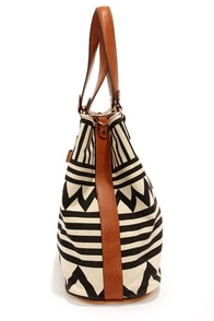 Mystery Train Black and Cream Print Purse at Lulus.com!