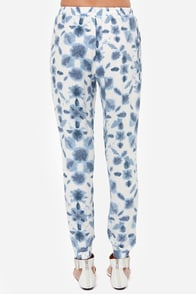BB Dakota Beau White and Blue Print Pants at Lulus.com!