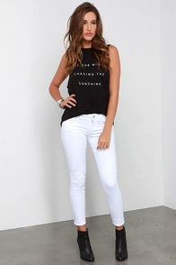 Chic Peek White Ankle Skinny Jeans at Lulus.com!