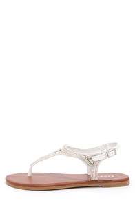 Bamboo Sequoia 26 White Beaded Thong Sandals at Lulus.com!