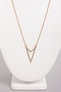 Right Directions Gold Arrow Necklace at Lulus.com!