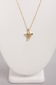 Culture Shark Gold Shark Tooth Necklace at Lulus.com!