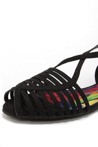 Madden Girl Smerk Black Strappy Flat Sandals at Lulus.com!