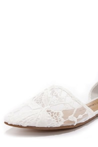 Chinese Laundry Easy Does It Macrame White Pointed Flats at Lulus.com!