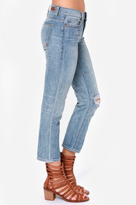 Dittos Rhonda Distressed Cropped Jeans at Lulus.com!