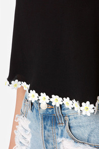 Crop-sy Daisy Black Crop Top at Lulus.com!