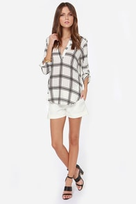 V-sionary Ivory and Black Plaid Print Top at Lulus.com!