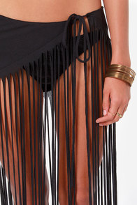 RVCA Mansuria Black Fringe Cover-Up Skirt at Lulus.com!
