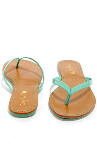 Intro 02 Mint Patent Flip Flops at Lulus.com!