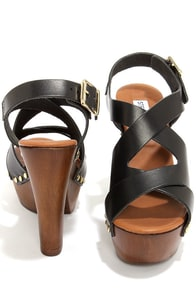 Steve Madden Liable Black Leather Platform Sandals at Lulus.com!