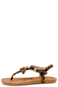 Running Rampant Leopard Thong Sandals at Lulus.com!