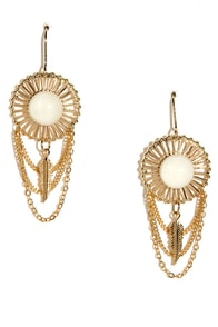 Native Sun Gold Earrings at Lulus.com!
