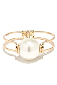 Pleasant Escape Gold and Pearl Bracelet at Lulus.com!