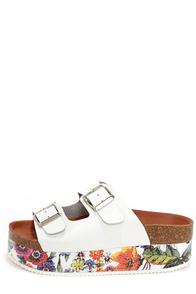 Sixtyseven 76107 Cara Vachetta White Floral Flatform Sandals at Lulus.com!