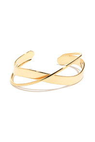 Around the Bend Yellow Gold Bracelet at Lulus.com!