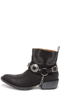 Coconuts Hoss Black Harness Ankle Boots at Lulus.com!