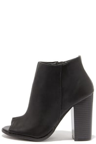 Stacked and a Half Black Peep-Toe Booties at Lulus.com!