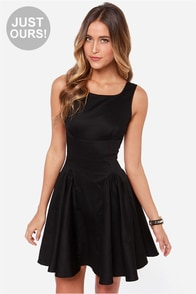LULUS Exclusive Stun Double Black Dress at Lulus.com!
