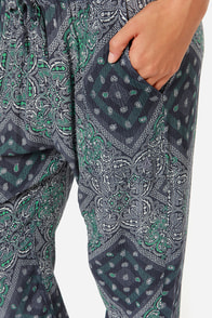 Volcom Hair Um Blue Bandana Print Harem Pants at Lulus.com!